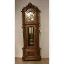 Rzeźbiony zegar Zygmunt
