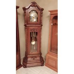 Rzeźbiony zegar Rufin